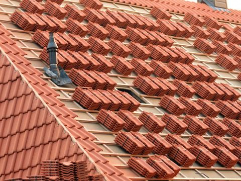 what should be considered when choosing a roof covering - Roof Covering